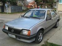 Povoljno Opel Ascona