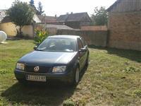 VW BORA  1.9 TDI -02