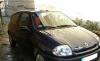 Renault Clio - 00