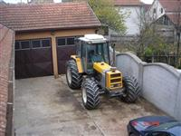 Traktor Renault 133 14