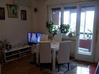 Prodajem stan Centar Stari grad Novi Sad