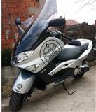 Yamaha t max -02