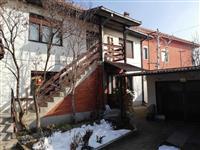 Prodajem kucu u Zajecaru, naselje Kotlujevac