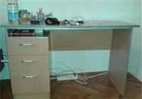 Kancelarijski radni sto