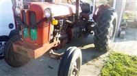 Traktor imt558