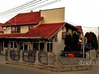 Kuća sa poslovnim prostorom