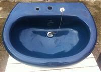 Plavi lavabo