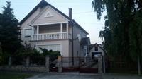 Prodajem kucu u Zrenjaninu