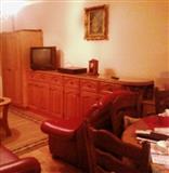 Nameštaj, komode i stolovi