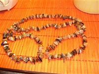 Prelepa ,kvalitetna ogrlica od poludragog kamenja.