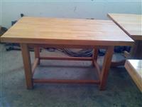 Masivni hrastov sto