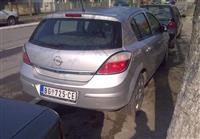 Opel Astra H -04