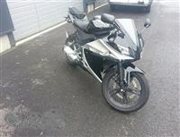Yamaha yzf R125 2008