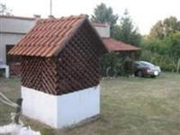 Dve kuce na 60 ari placa u Pozarevcu