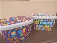 nove kutije za igračke 52x31x27 cm