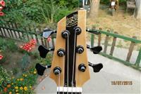 R Custom 6 strings bass
