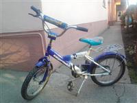 Deciji bicikl sa pomocnim tockovima