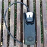 Analogna pumpa za gume michelin