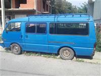 Kombi Mazda E 2000