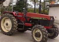 Traktor Univerzal 643