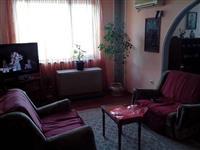 Trosoban stan u strogom centru Paracina