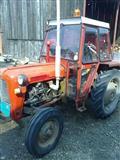Traktor IMT 539
