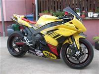 Motocikl Yamaha R1