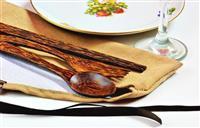 Drveni escajg u ručnoj izrađenoj futrolici