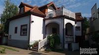 Luksuzna vila u elitnom kraju Panceva