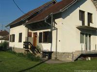 Prodajem kucu u Gornjem Milanovcu