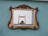 Dekorativno ogledalo