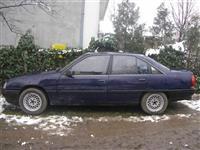Opel Omega 1.8 -90