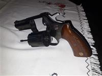 Prodajem magnum 357M83/93
