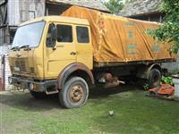 Kamion ceo ili u delovima