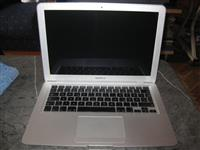 "Najpovoljniji Apple MacBook Air 13"""