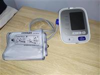Automatski digitalni aparat za merenje krvnog prit