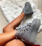NOVE sive čizme na platformu!