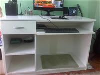 Radni sto za kompjuter