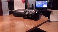 Xbox 360 Elite black LT 3.0+100 igrice POVOLJNO