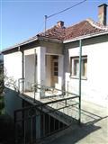 Vrlo jeftina kuća u Prokuplju