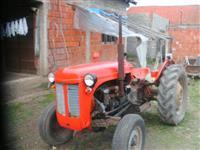 Traktor Massey Ferguson 533