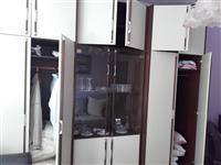 Ormar garderober iz tri dela