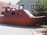 Brod povolno
