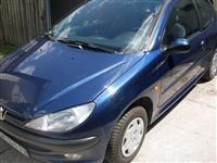 Peugeot 206 -02 stranac iskljucivo ceo za delove