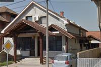 Poslovno stambeni objekat uz 6 ari placa