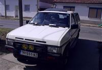 Nissan Terrano 2.4 -90