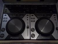 Pioneer CDJ 400 x2