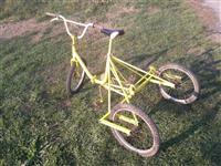 Tricikla poni