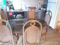 Prodajem sto i 6 stolica od bambusa
