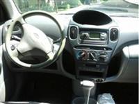Toyota Yaris Verso  benzin -00